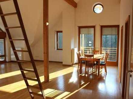 Gepflegte 3-Zimmer-DG-Wohnung mit Balkon in Westheim (Pfalz)