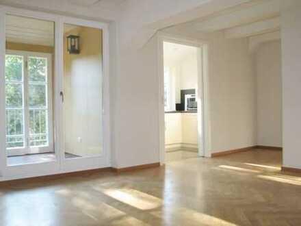 Schloß Brandis* tolle 2 Zimmer-DG-Whg.* Parkett* Wintergarten* ab 01.03.2020
