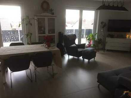 Neuwertige 3-Zimmer-Wohnung mit Balkon und Einbauküche in Kieselbronn