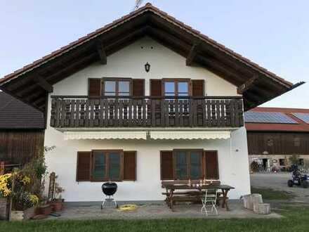 Sanierte 3-Zimmer-DG-Wohnung mit Balkon in Obersöchering