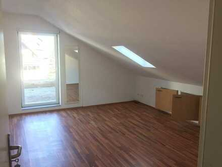 Gemütliches, helles Zimmer in Wiblingen, ab 01.09.21, ca. 18m² mit Zugang zu Dachterrasse