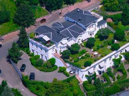Erstbezug nach Sanierung: exklusive geräumige 2-Zimmer-Maisonette-Wohnung in Heidelberg