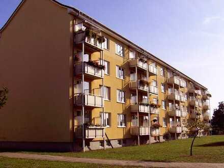 helle Etagenwohnung mit Balkon zu vermieten