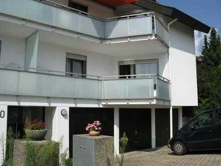 2 1/2 Zi.-Whg. schön, sonnig und ruhig gelegen mit EBK, großer Südbalkon und Garage