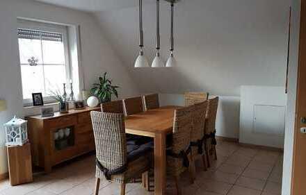 Wohnung mit Blick auf Felder, Kaminofen, Klimafunktion, Bj 2007, Stellplatz, Spitzboden