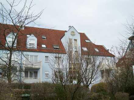 Helle 2-Zimmer-Dachgeschosswohnung zu vemieten
