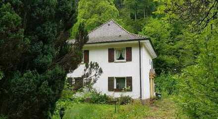 FR-Günterstal, Villa Renovierungsfall, mit Grundstück am Bachlauf