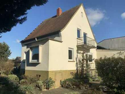 Einfamilienhaus mit traumhaftem Süd-Grundstück in Dudenhofen!!
