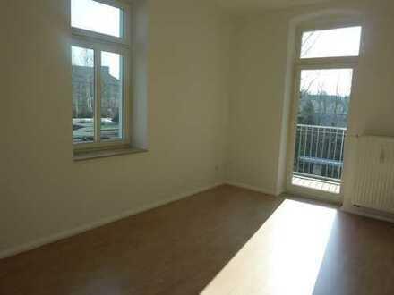 Charmante 3-Raum mit Balkon und schickem Laminat in Altchemnitz!!!