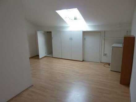 Gepflegte 1-Zimmer-DG-Wohnung in Esslingen