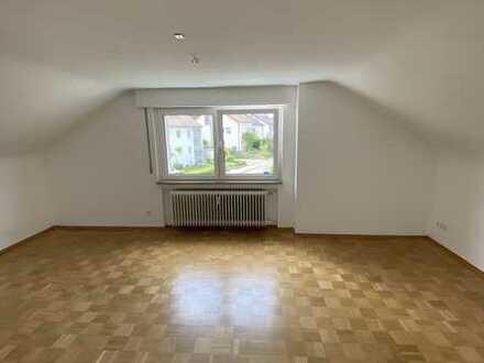 Gepflegte helle 3 Zimmer Wohnung in Stadtnähe