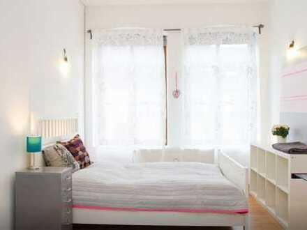 Bis Ende Mai: Gepflegte, voll möblierte 2-Zimmer-Wohnung mit Einbauküche im Quartier Latäng