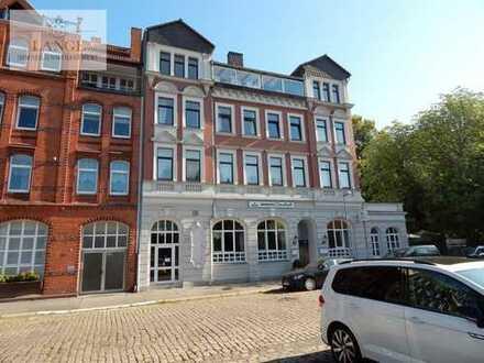 Hannover-Herrenhausen: Großzügige Penthouse-Wohnung über 2 Etagen mit großem Wintergarten