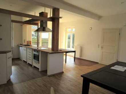 WG gesucht für geräumige 5-Zimmer-Wohnung mit Garten