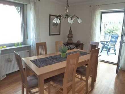 Gepflegte 5-Zimmer-Wohnung möbliert/unmöbliert mit Balkon und Einbauküche in Nürnberg Ziegelstein