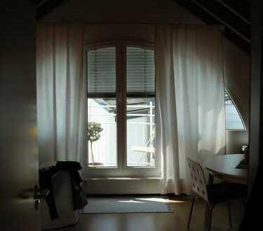 Schöne 1-Zimmer-DG-Wohnung