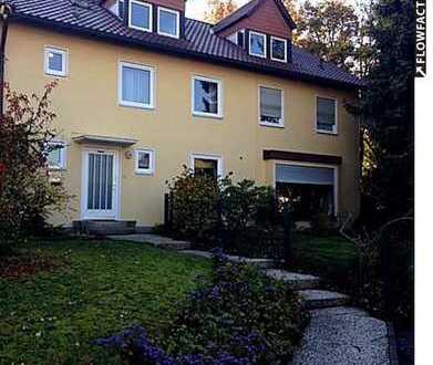 +++RESERVIERT+++Charmante Doppelhaushälfte mit offenem Kamin und ausgebautem Dachgeschoss