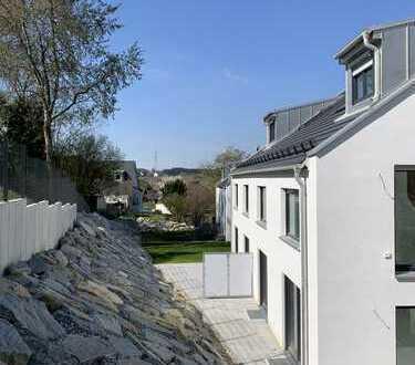 *MODERN & WEITBLICK* -HELLE DHH / MEHRGENERATIONENHAUS mit 2 Terrassen + SBahn + WG möglich