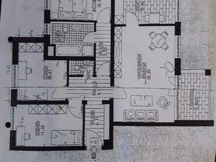 Wohnung mit Charme! 4-Zimmer-Wohnung mit Balkon für gemütliche Abende in Augsburg