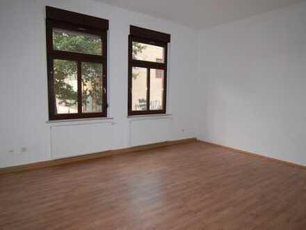 Stilvolle, geräumige 4-Zimmer-Altbauwohnung in Sonneberg - zentrumsnah