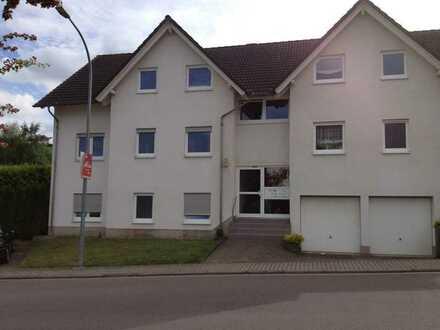 Gepflegte 3-Zimmer-Hochparterre-Wohnung mit Balkon in Riegelsberg
