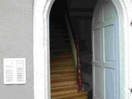 Attraktive 2-Zimmer-Whg mit Domblick in einem Denkmal in der östlichen Altstadt
