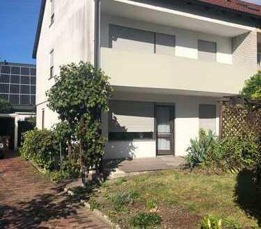 Gepflegtes Haus in TOP-Lage mit sieben Zimmern in Augsburg (Kreis), Stadtbergen