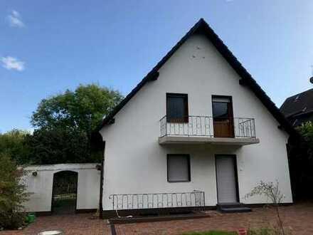 Freistehend und mit Charme - seltene Gelegenheit Haus zur Miete in Burgaltendorf!