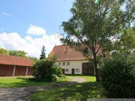 Charmantes Familienidyll mit Wohnhaus, Scheune, Garagen und grooooosem Garten !