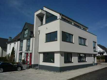 Elegante 2-Zimmer-Erdgeschosswohnung im Zweifamilienhaus in Bensberg.
