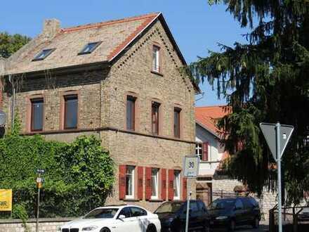 Renoviertes denkmalgeschütztes Backsteinhaus