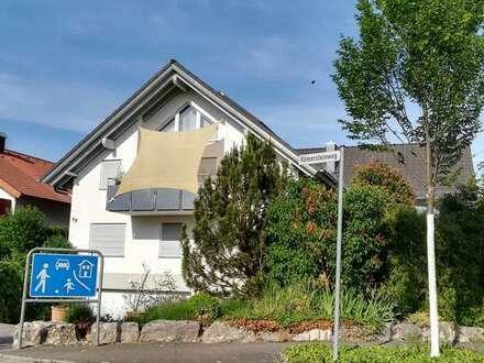 Gepflegte 2,5 Zi.-Maisonette-Wohnung, Nähe Schönbuch-Bahn und B464 in Holzgerlingen