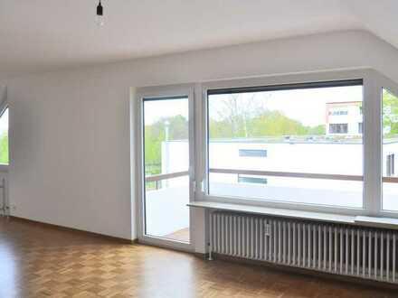 2-Zimmer-DG-Wohnung mit Einbauküche in guter Lage