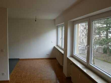 Erstbezug nach Modernisierung *** 4-Zimmer Wohnung (Balkon, 1.OG, Lift) nahe Pegnitzgrund