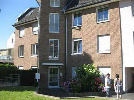 Gepflegte 4-Zimmerwohnung im 1.OG einer modernen Hausanlage, mit Balkon