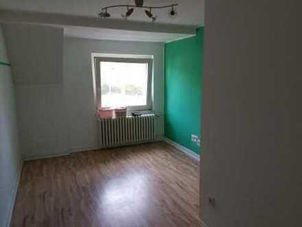 WG-Zimmer in großer Wohnung
