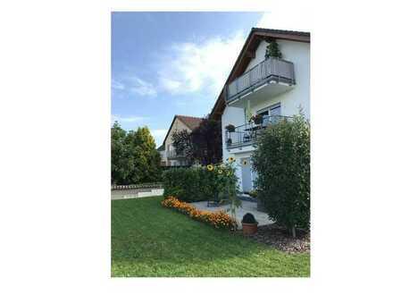 Neuwertige 3-Zimmer-Wohnung mit Balkon und Einbauküche (3-Parteien-Haus) in Nieder-Saulheim