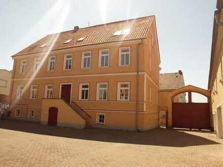 Großzügige 3-Raum-Wohnung auf 4-Seiten-Hof in Eickendorf