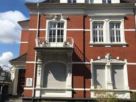 Schöne modernisierte 3-Zimmer-Wohnung mit großem Sonnenbalkon im denkmalgeschützten Jugendstilhaus