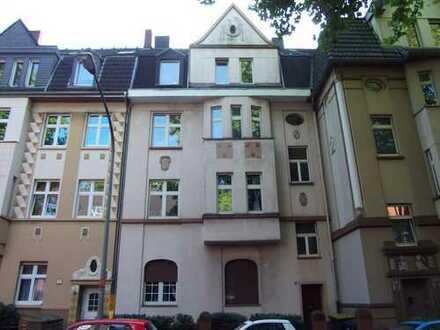 Schöne 3 Zi. Altbauwohnung in Duisburg- Wanheimerort