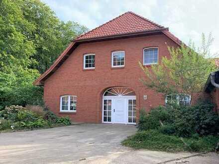 Großer Resthof mit zwei Garagen in Syke-Okel