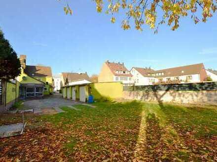 2-Fam.-Haus mit 5 Garagen u. Bauland, in DU-Huckingen. Ideal zur Kapitalanlage, Rendite ca. 4,5 %.