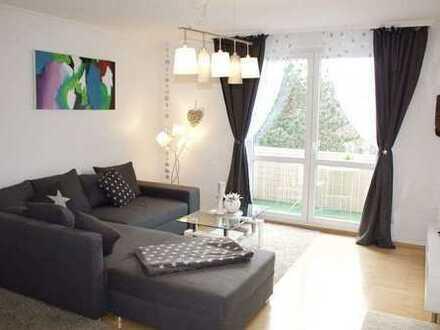 Sanierte 2-Zimmer-Wohnung mit Balkon und Einbauküche