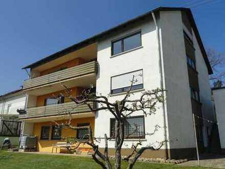 Belle Etage, sehr schöne und helle fünf Zimmer Wohnung in Rottenburg (Kreis Tüb)