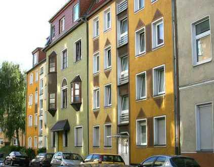 schöne Dachgeschosswohnung mit Balkon in zentraler Lage
