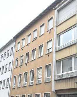 Keine Käuferprovision: Anlageobjekt - MFH - 8 Wohnungen - 3 App. - 7 Garagen - Innenstadt - Worms!