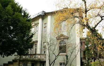 Denkmal!! Wohnen und arbeiten in historischer Villa in gehobener Wohnlage
