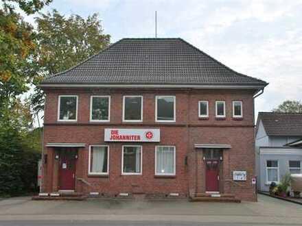 Quickborn zentral: Attraktives Bürogebäude mit Terrasse, Garagen und Stellplätzen! OTTO STÖBEN!
