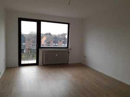 Modernisierte 3,5-Zimmer-Wohnung mit Balkon in Duisburg-Meiderich, Nähe Stadtpark