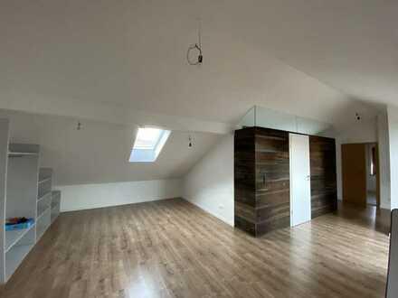 Helle Dachgeschosswohnung mit Style